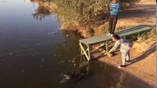 Осенняя рыбалка с женой на Сазана (удочка + подсак). Трофейчик на 2 кг !