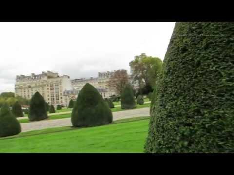 Walk around the Place Des Invalides in Paris - L'Hôtel national des Invalides7