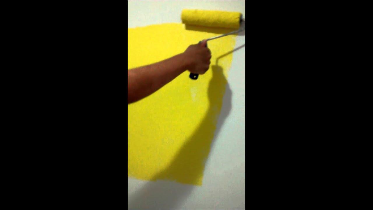 Como pintar uma parede de amarelo quindim sem manchas