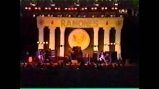 Ramones - Teenage lobotomy  (Live in Argentina 1996)