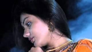 Lata Mangeshkar- Prem Ek Baar Esechilo Nirobe.flv