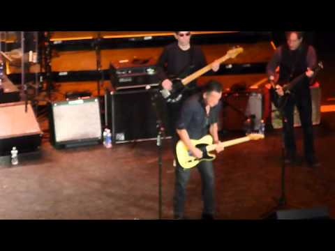 bruce-springsteen-(live)-adam-raised-a-cain-light-of-day-15-paramount-theatre-asbury-park-01/17/15
