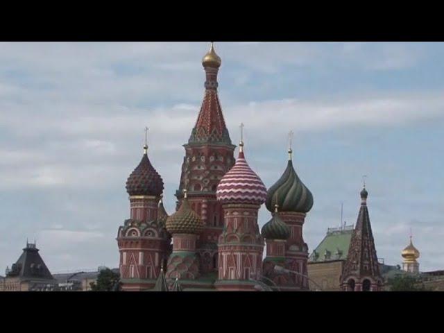 Russia, U.S. expel diplomats as tensions rise