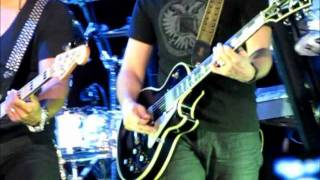 Avril Lavigne - Unwanted  / Freak Out / Losing Grip [Instrumental] (Live in Brazilia)