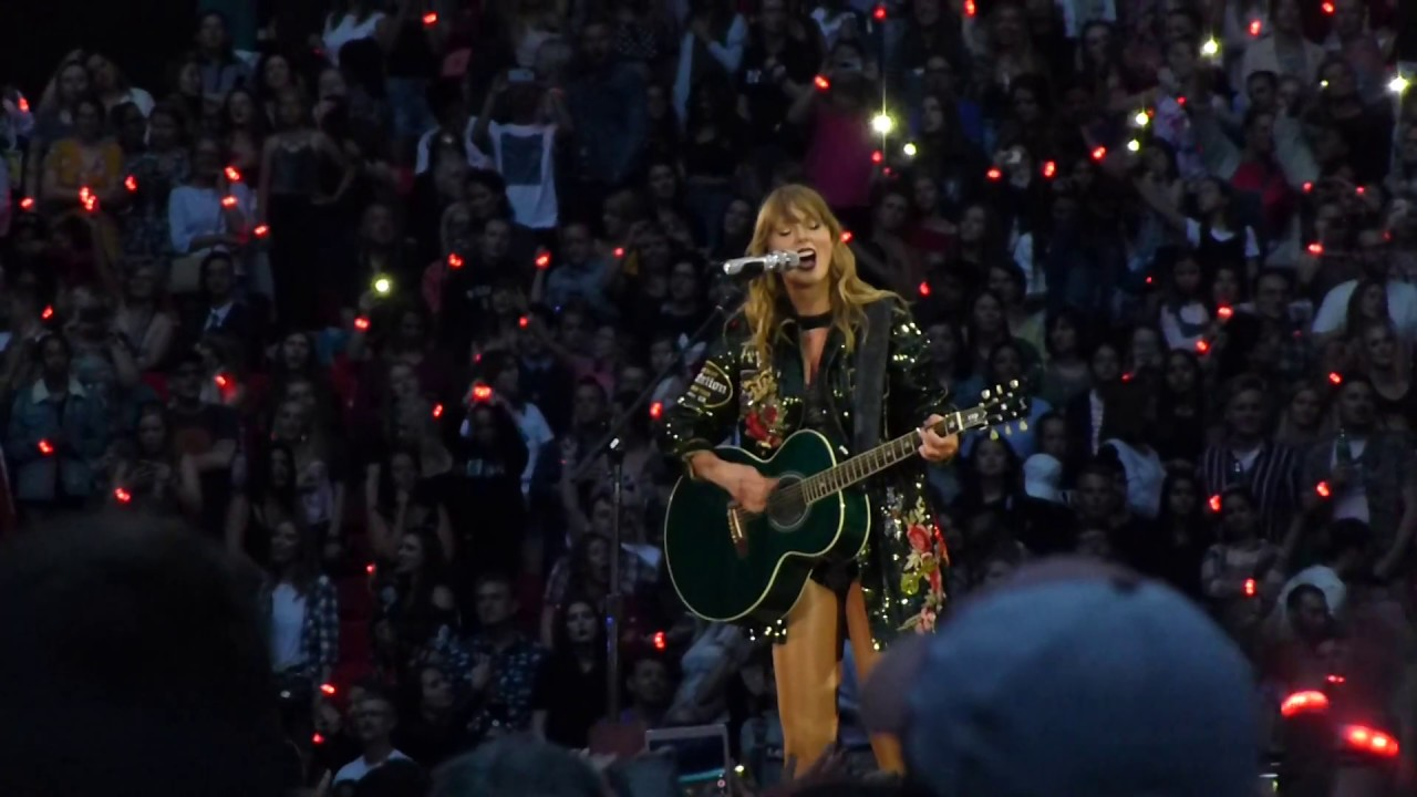 Taylor Swift's Reputation Tour B-Stage: Songs She Has