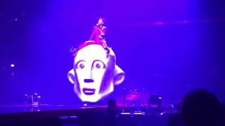 Queen+Adam Lambert-Killer Queen live Chicago 7/13/17
