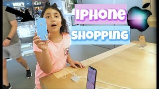 Gambar cover iPhone XS MAX Shopping at Apple Store