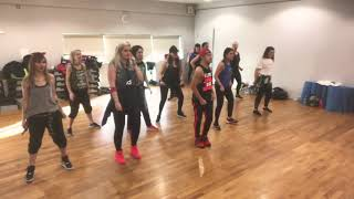 Intercionales by Bomba Estereo Zumba Dance Fitness choreography by Donking