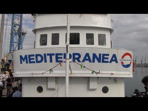"""Migranti, la Mare Jonio arriva a Palermo. """"Pronti a tornare a denunciare"""""""