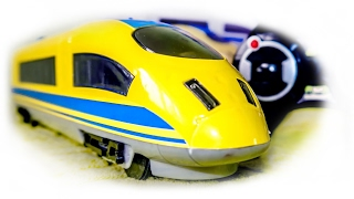 TRAINS FOR CHILDREN VIDEO:  High-Speed Express Train on the Radio Control Toys Review