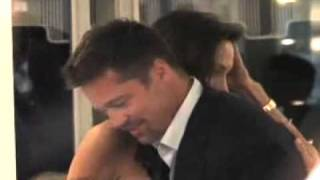 Paparazzi video of Angelina   Brad in a restaurant (Cannes)
