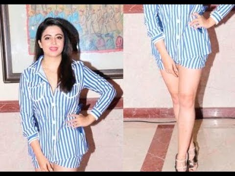Neha Pendse Shows Her Hot Legs At Saas Bahu aur Saazish Anniversary Party thumbnail