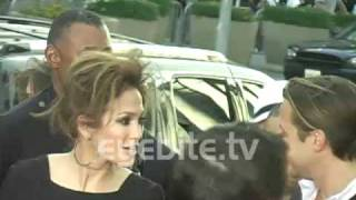 Jennifer Lopez has a bad hair day at Michael Jackson THIS IS IT premiere