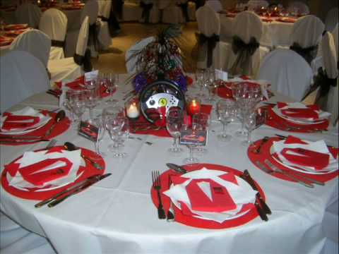 Decoration de salle anniversaire theme ferrari youtube - Idee decoration table ...