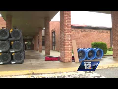 Heavy rains, flooding closes Tarrant Elementary School