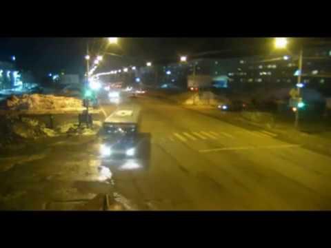 В Петропавловске пассажирка автобуса, выпавшая в открытую дверь, скончалась в реанимации
