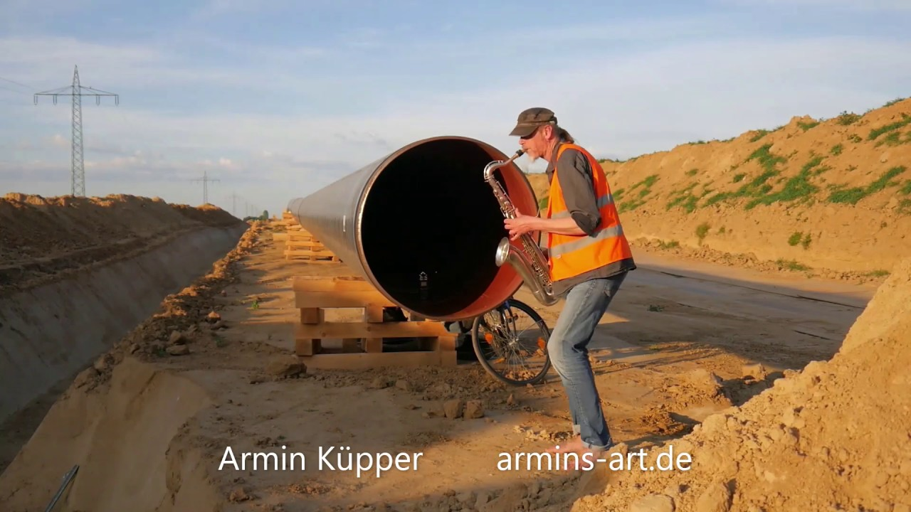 Special saxophone sound from the pipeline/ WORKERS SONG - Armin Küpper saksofon, सैक्सोफोन, саксофон - YouTube