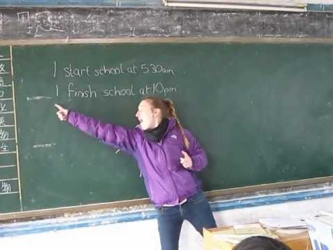 Tefl: First Lesson In China - 80 Students! (Beginning Of Lesson)