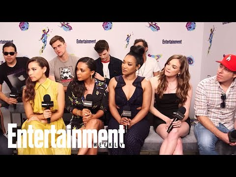 The Flash: The Cast On Their Favorite Episodes, Directing & More  SDCC 2018  Entertainment Weekly