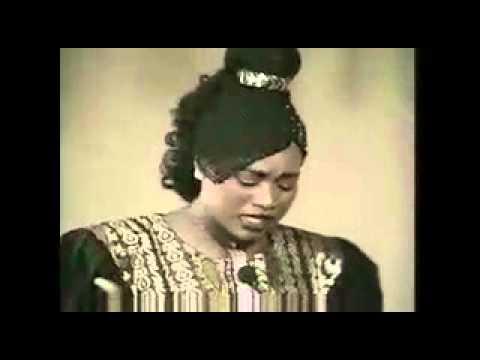 Mali_ Oumou SANGARE - Mogo Te Diya Bee Ye (You Can't Please