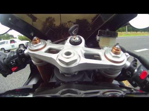 Triumph Daytona  Wheelie
