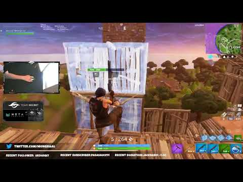 Insane build battle that goes to the sky limit! Watch until the end!
