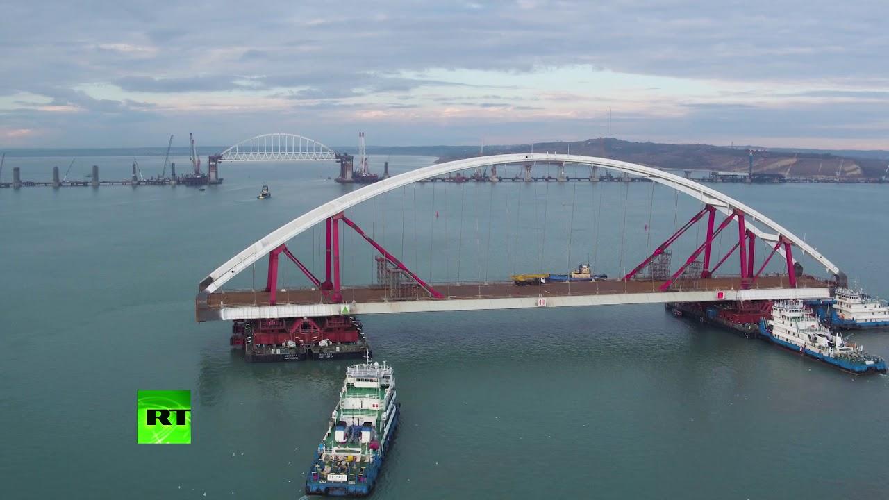 С высоты птичьего полёта: транспортировка автодорожной арки Крымского моста к фарватеру