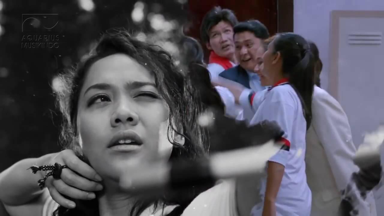 Bunga Citra Lestari Tundukkan Dunia Ost  Srikandi Official Lyric Video