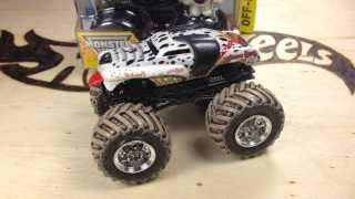 Hot Wheels Monster Jam New For 2014 Monster Mutt Dalmatian Review And Comparison!
