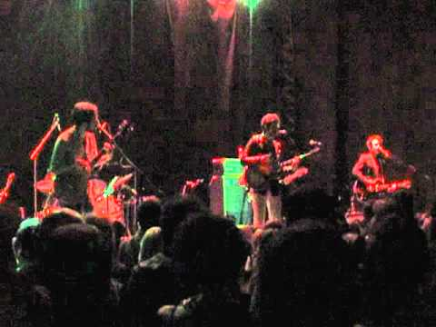SEA HORSE - SMOKEY ROLLS DOWN THUNDER CANYON - DEVENDRA BANHART - MONTEVIDEO URUGUAY 2011