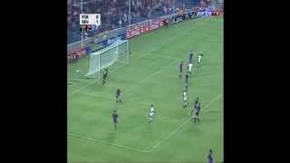primeiro gol do ronaldinho gacho no barcelona