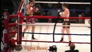 Female Muay Thai - Jeri Sitzes vs Keri Taylor Round 1