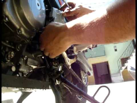Como cambiar el aceite filtro de aire y buj as v strom - Como sacar aceite del piso ...