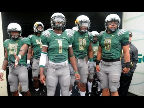 size 40 b6626 58ed3 A look back at the evolution of Oregon Ducks football uniforms over the  last decade
