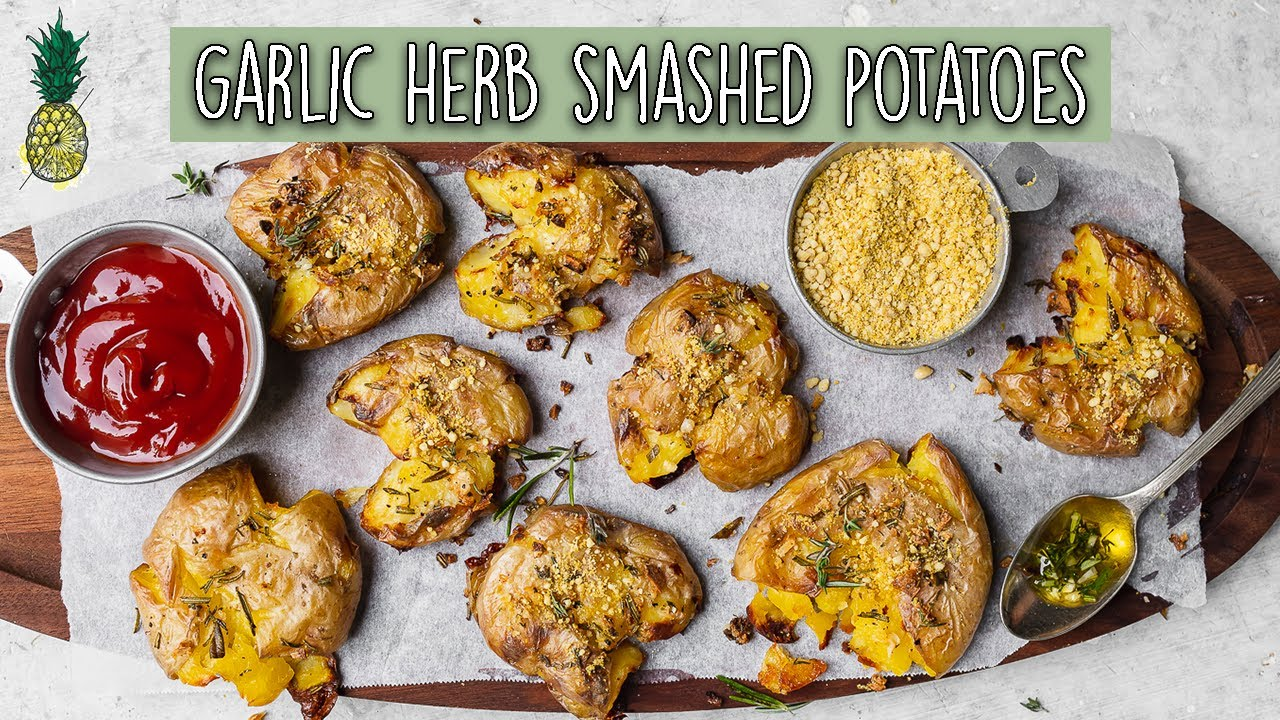 Crispy Garlic & Herb Smashed Potatoes (Easy & Vegan)