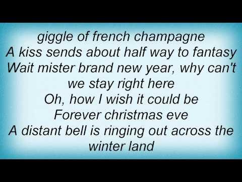 Lee Ann Womack - Forever Christmas Eve
