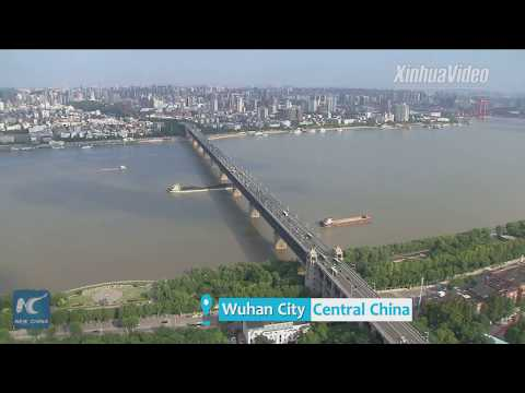 Refurbished! 61-year-old bridge over China's Yangtze River has rails changed