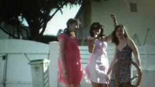 Clip de FPM avec les filles.