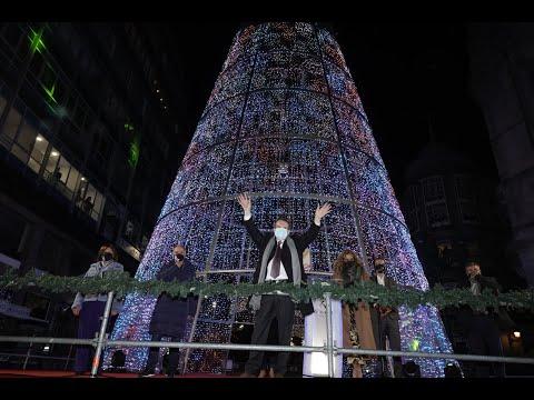 El alcalde de Vigo pulsó este miércoles el botón que encendió las luces navideñas en la ciudad y dio el pistoletazo de salida a las fiestas.