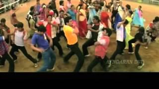 Vilaiyaadu Vilaiyaadu song   Kireedam
