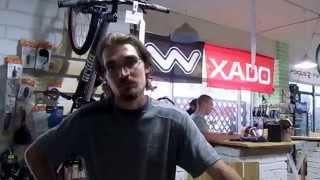 Как собрать горный велосипед(Рассказ профессионала как собрать горный велик. магазин Велострит http://velostreet.kiev.ua/ Кременчуг., 2015-07-17T15:55:09.000Z)