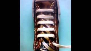 7 Cara Memasang Tali Sepatu Unik