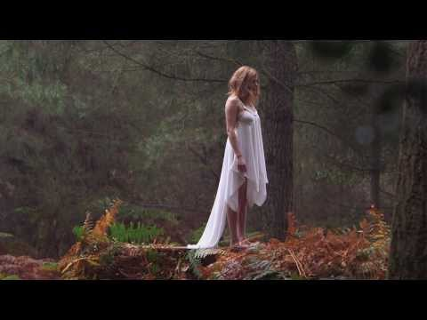 LEONIE - Fanny [Clip Officiel]