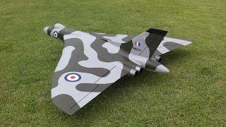 初フライト、ノーカット版です。 テストパイロット:カバトット 設計・製作者:Katagishi 翼幅: 1400mm 飛行重量: 2500g ファン: 50mmx4 バッテリ: 3-4200...