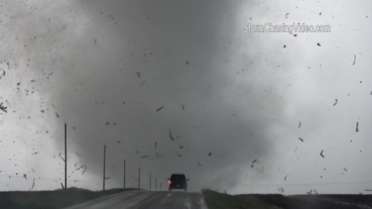 Extrme Tornado Footage Of Debris Flying In The Air Dodge