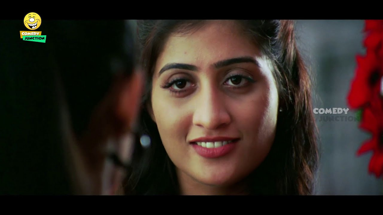 Sunil With Heroine Changing Dress In Public Road Comedy Scene | Telugu Comedy Scene | Comedy Juntion