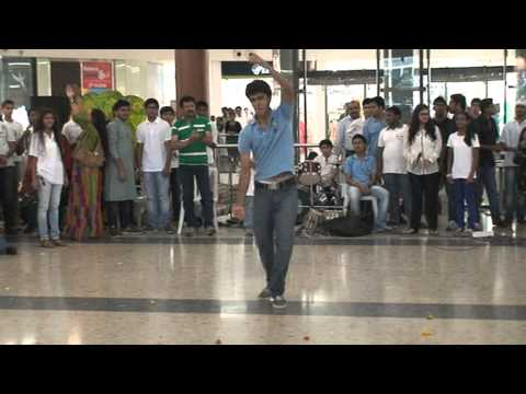 Ansh Tandon Dance at DB Mall, Bhopal on Earth Day 2013
