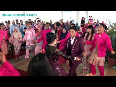 Kejutan Pernikahan dengan Lagu India