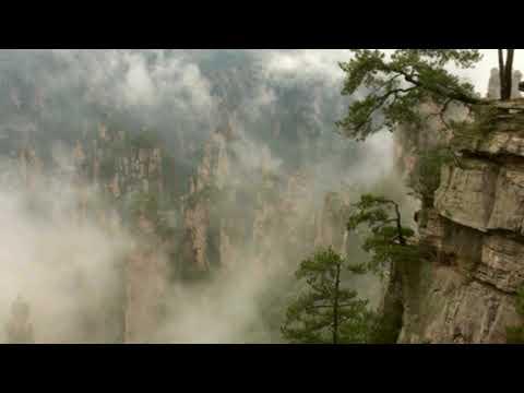 Sifu Garry, Sifu Linda at the Misty Tianzi Mountains of Wu Ling Yuan