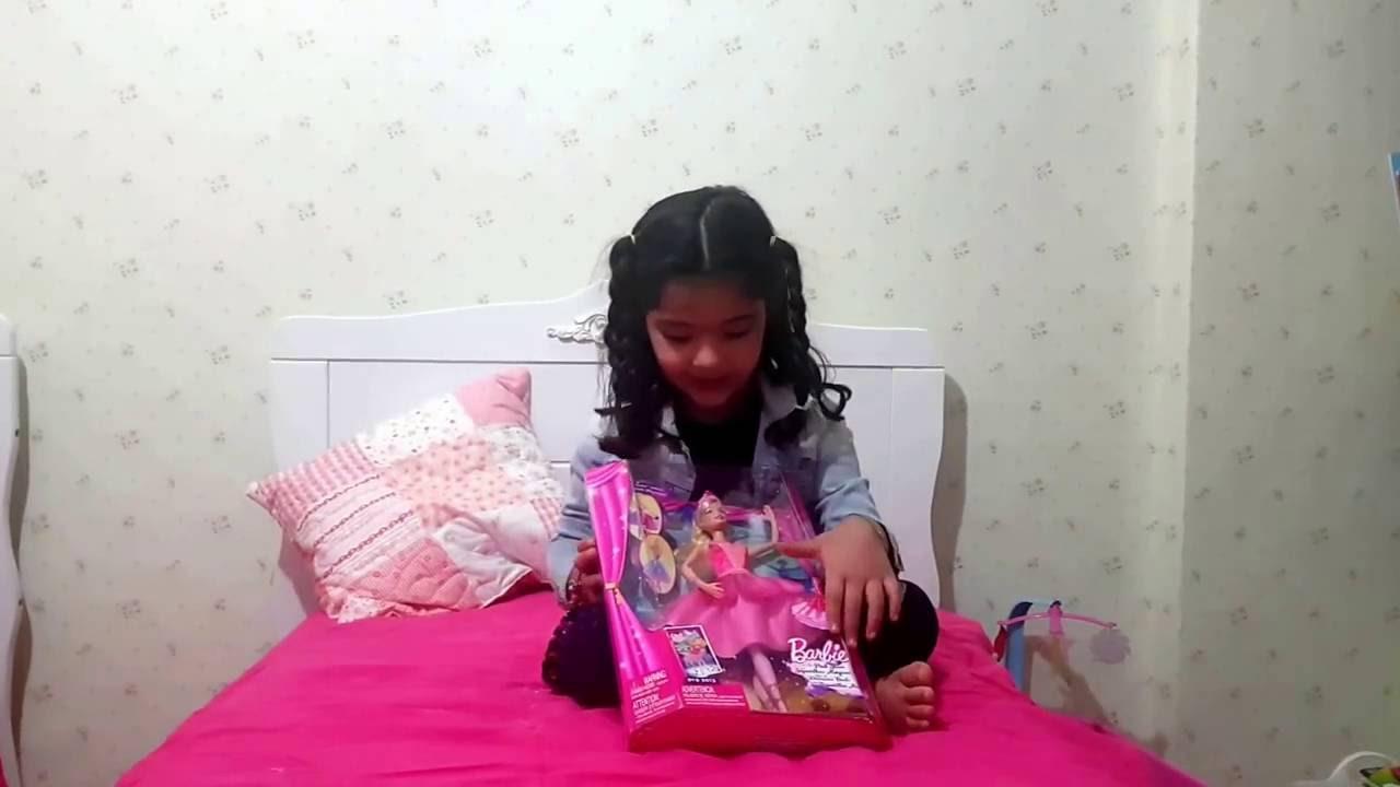 Barbie Sapatilhas Magicas - Muda o Vestido